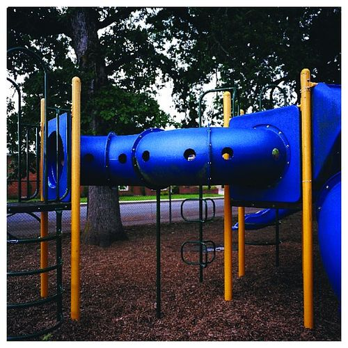 Playground_photoset_001-03
