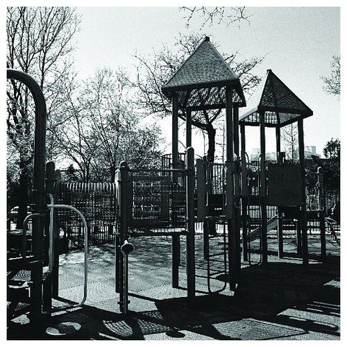 Playground_photoset_001-06