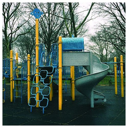 Playground_photoset_001-07