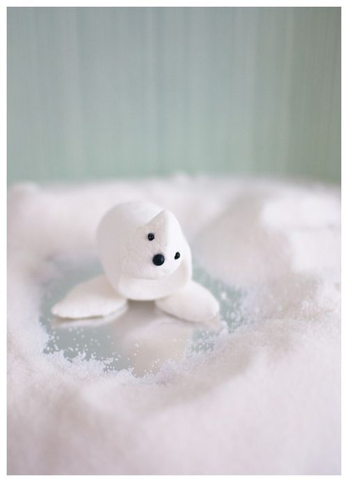 Candy-aisle-crafts-marshmallow-seal